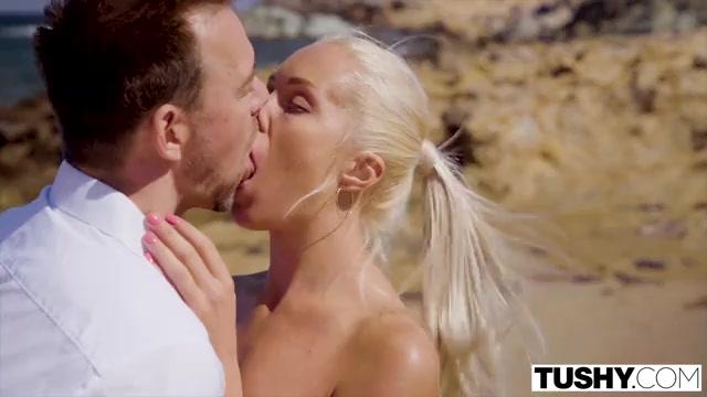 На Пляже Они Занялись Анальным Сексом